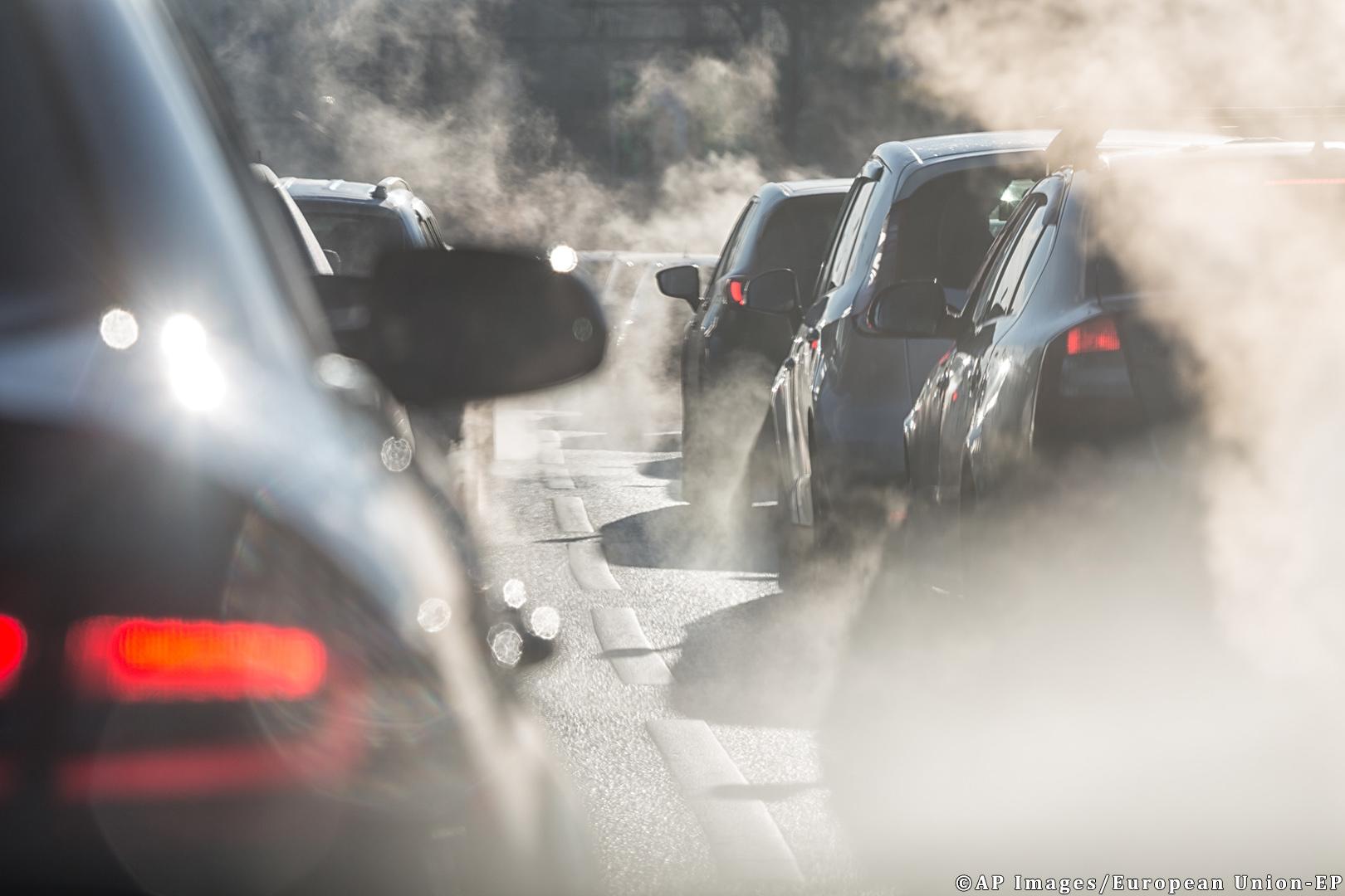 EU: Less CO2 Emissions by 2030